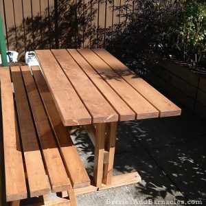 How to build a small patio-sized picnic table with detached benches